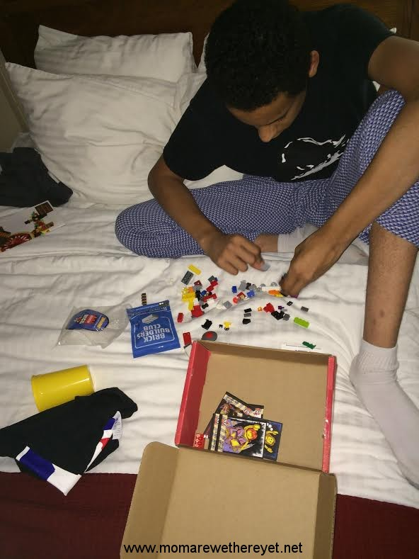 Fun Ways To Entertain Kids During Holiday Travel