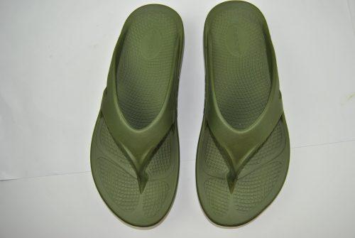 oofos green sandals